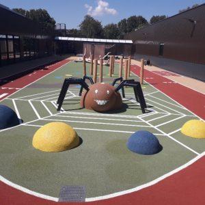 1100 m2 Playtop op het dak bij Heliomare (samenwerking met Speelplan)